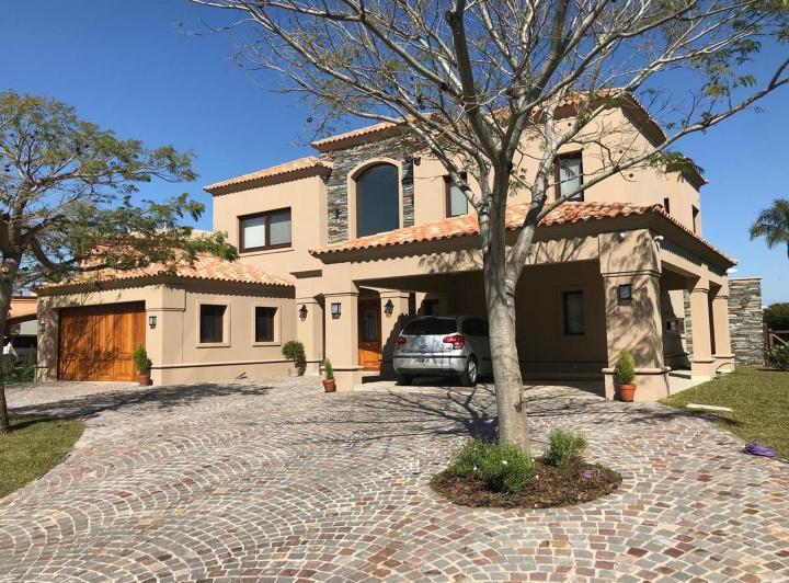 Foto Casa en Alquiler en  Los Lagos,  Nordelta  Los Lagos 100