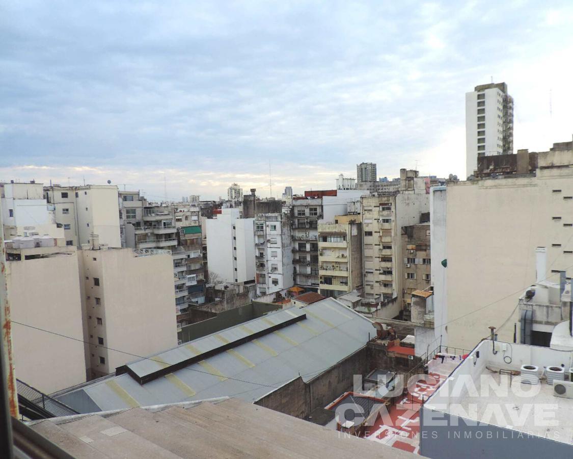 Foto Departamento en Venta en  Balvanera ,  Capital Federal  LAVALLE al 2100 -Piso Alto