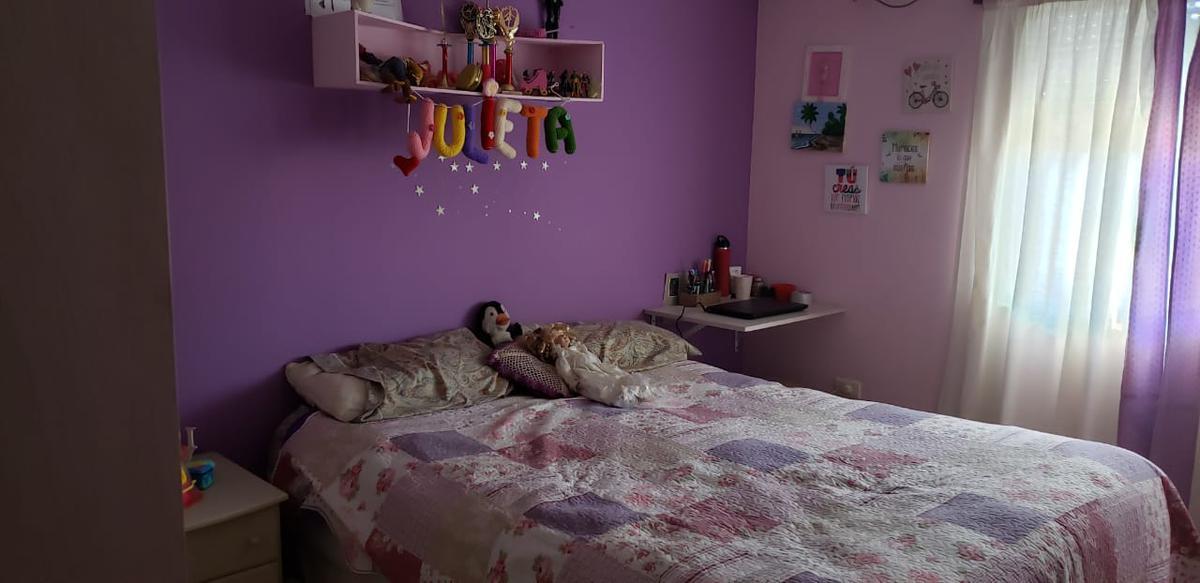 Foto Casa en Venta en  Azcuenaga,  Rosario  LINIERS al 1400