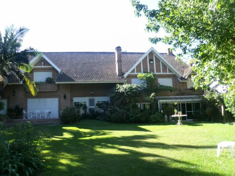 Foto Casa en Venta en  Martinez,  San Isidro  Colón al 300