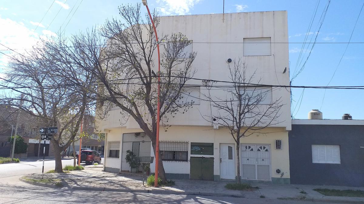 Foto Departamento en Alquiler en  Cipolletti ,  Rio Negro  Paraguay y Belgrano