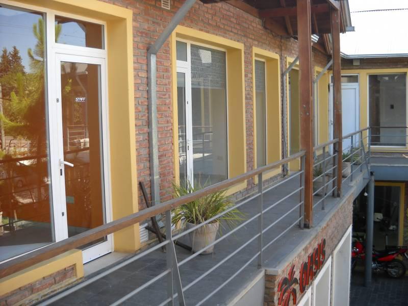 Foto Local en Venta en  Funes ,  Santa Fe  Elorza  al 2000