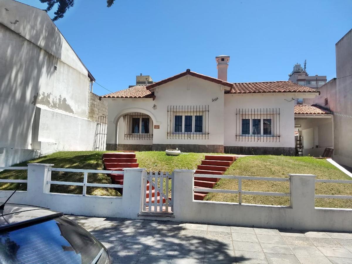 Foto Casa en Alquiler en  San Bernardo Del Tuyu ,  Costa Atlantica  Chiozza 1678