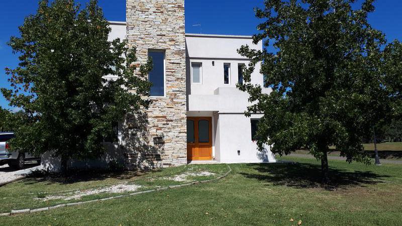 Foto Casa en Venta en  Cardales Village,  Countries/B.Cerrado (Campana)  EXCELENTE CASA EN BARRIO CARDALES VILLAGE