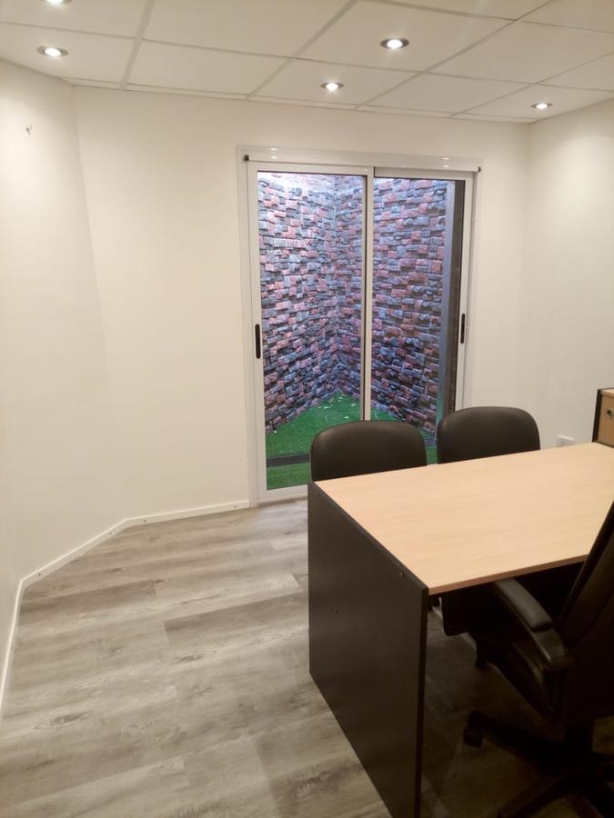 Foto Oficina en Venta en  La Plata ,  G.B.A. Zona Sur   RETASADA !OFICINA   48MIL USD financiables , para trabajar  abogados , escribanos, profesionales en general 45 entre 1 y dg80 , LA PLATA