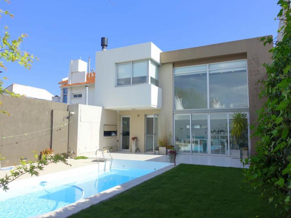 Foto Casa en Venta en  P.Luro,  Mar Del Plata  Venta. Moderna casa de 3 ambientes en Parque Luro, Mar del Plata