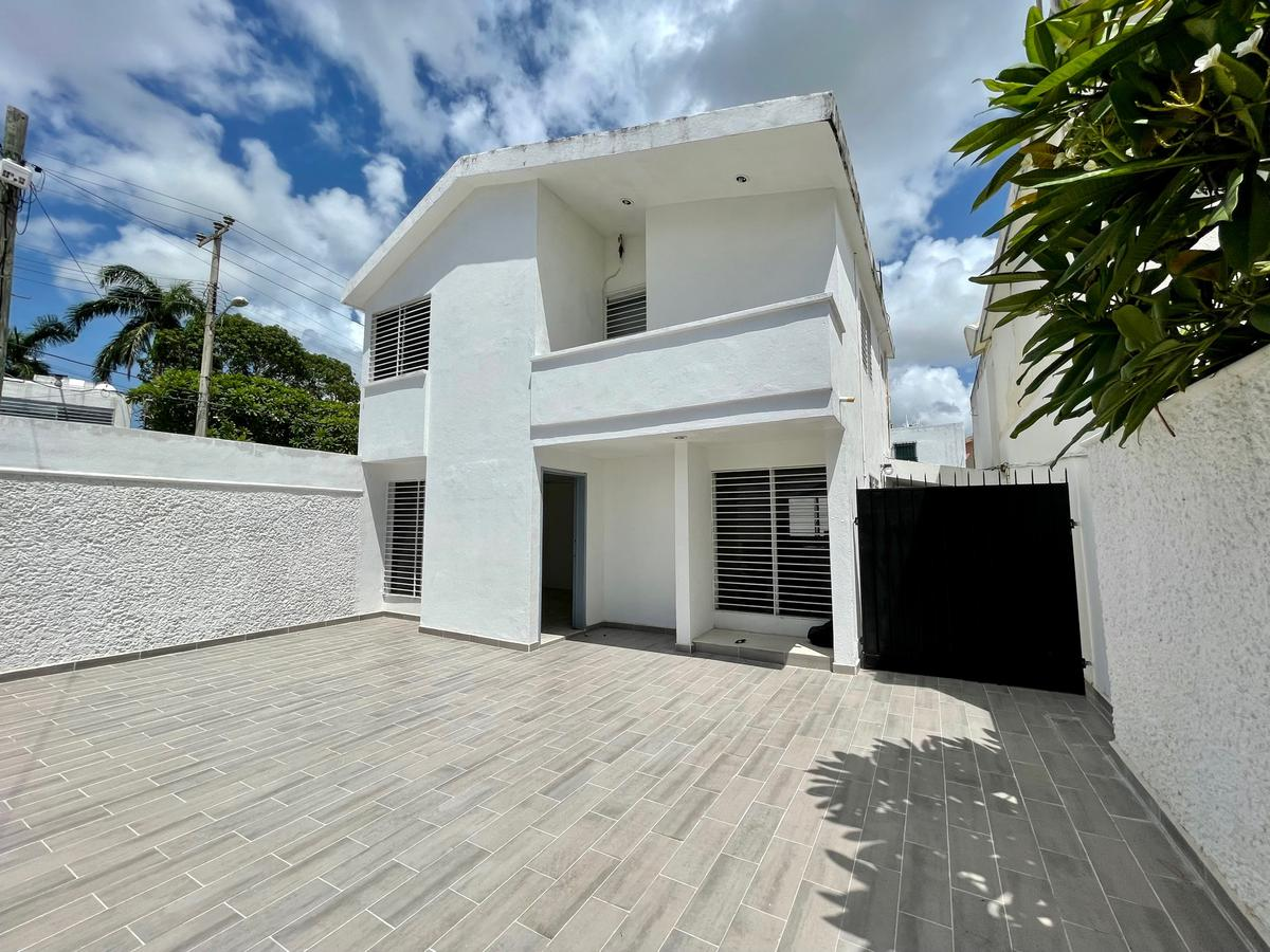 Foto Oficina en Renta en  Itzimna,  Mérida  Casa en renta sobre calle principal-itzimná