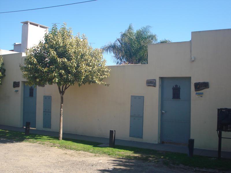 Foto Departamento en Alquiler en  Zapiola,  Lujan  Independencia Nº 2285 Dpto. 3