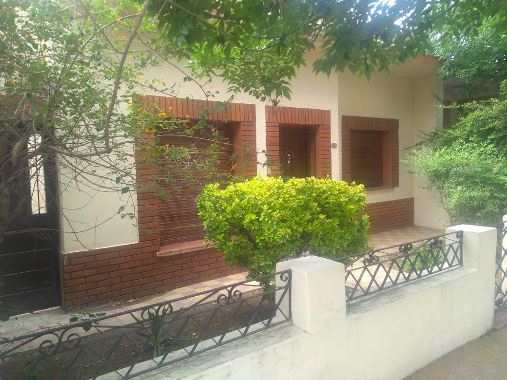 Foto Casa en Venta en  Villa Mercedes,  Pedernera  juan B. Justo al 300