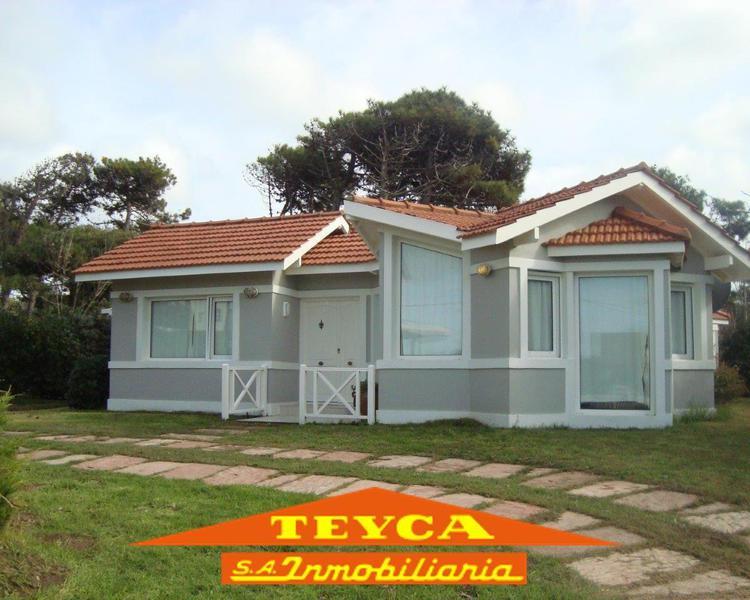 Foto Casa en Venta en  Norte Playa,  Pinamar  CUL DE SAC DE Burriquetas 3290 y Picaflores