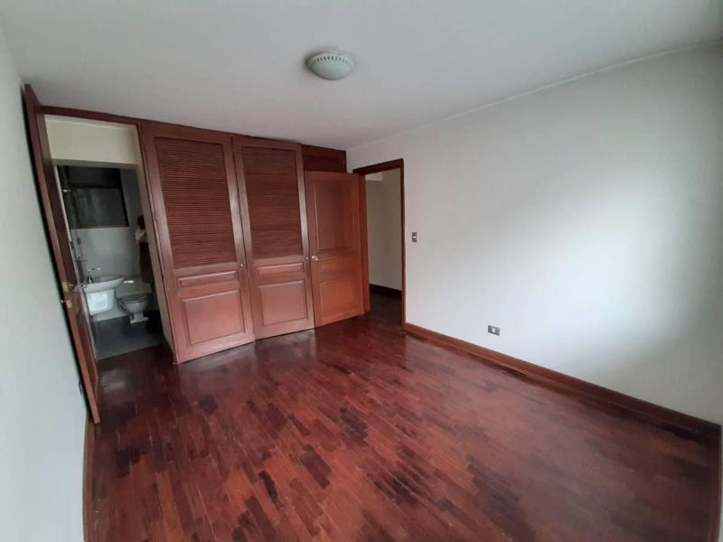 Foto Departamento en Venta en  Santiago de Surco,  Lima  Manuel ganoza