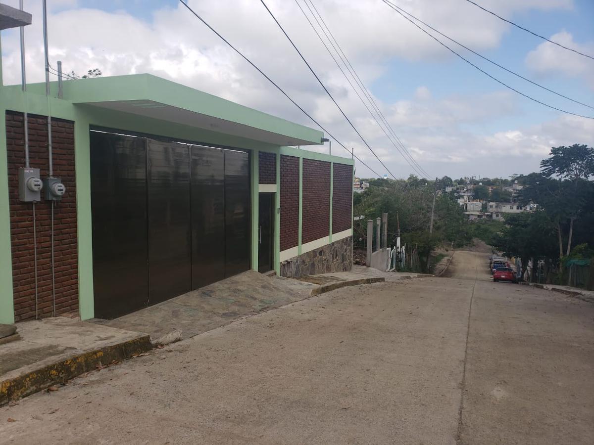 Foto Terreno en Venta    en  Ampliacion Luis Donaldo Colosio,  Tuxpan  VENTA   PROPIEDAD   CON   ALBERCA