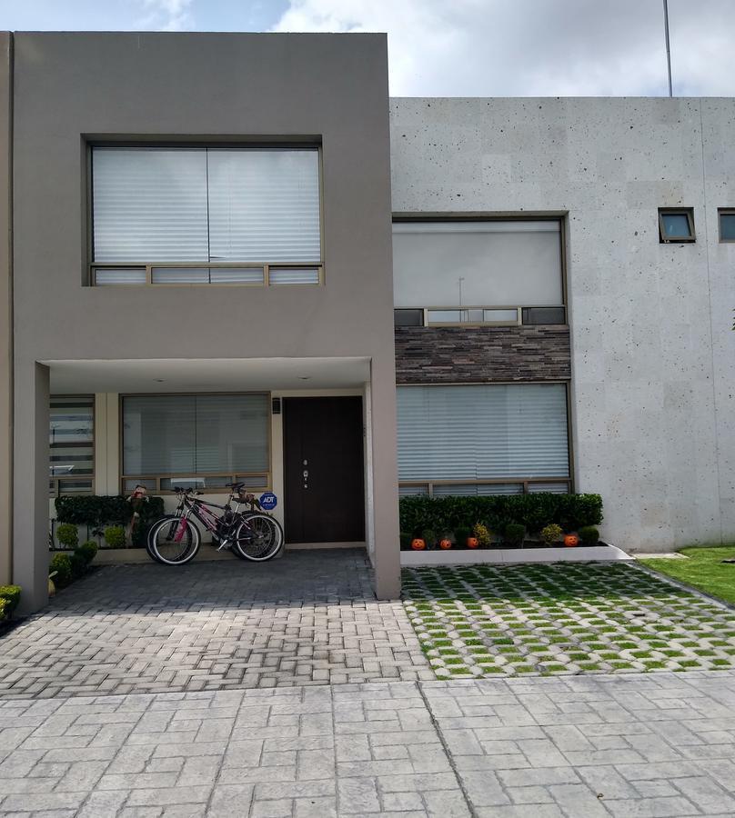 Foto Casa en condominio en Venta en  Calimaya ,  Edo. de México  VENDO RESIDENCIA MODELO IBIZA EN BOSQUE DE LA FUENTES CALIMAYA