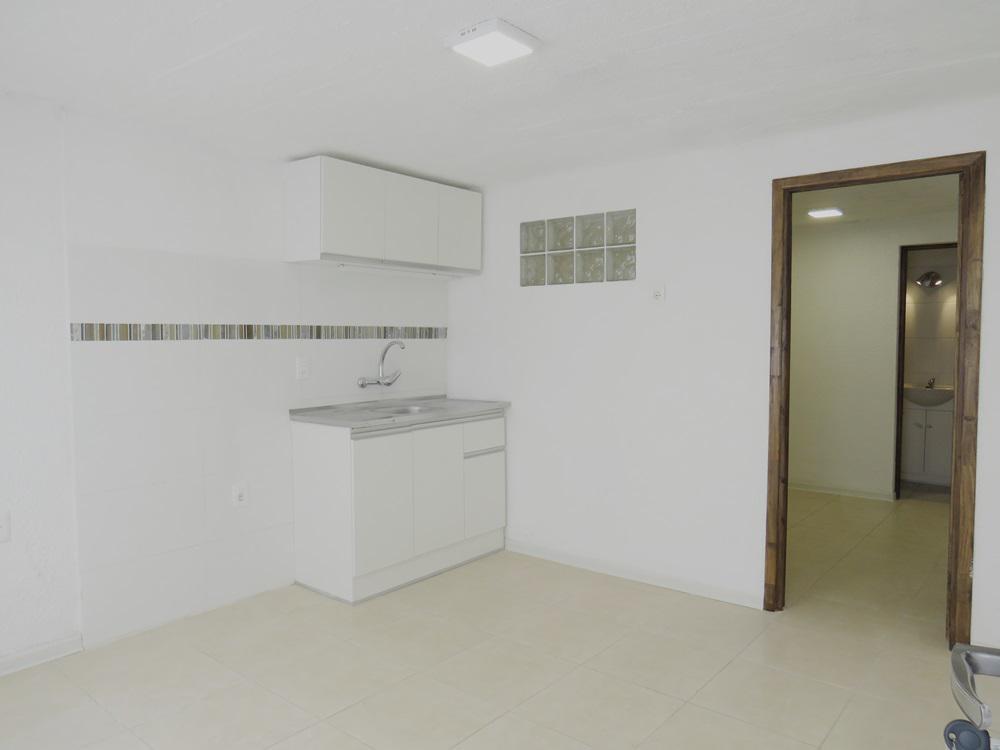 Foto Apartamento en Alquiler en  Aguada ,  Montevideo  Bacigalupi 2089/05