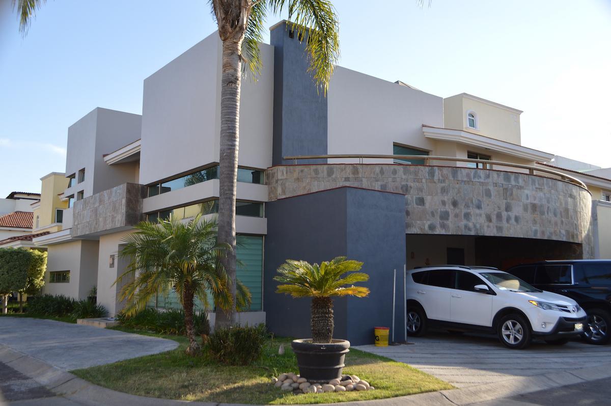 Foto Casa en Venta en  Puertas Del Tule,  Zapopan  Av. del Tule 470 1B