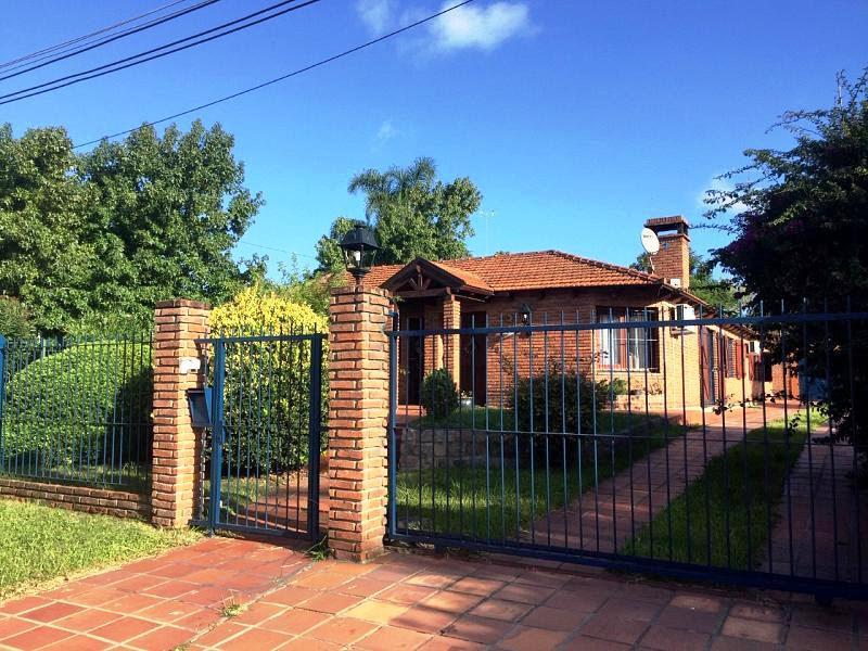 Foto Casa en Venta en  Colonia Valdense ,  Colonia  Dr. Emilio Andreón frente a Ruta Nº1 de la ciudad de Colonia Valdense.