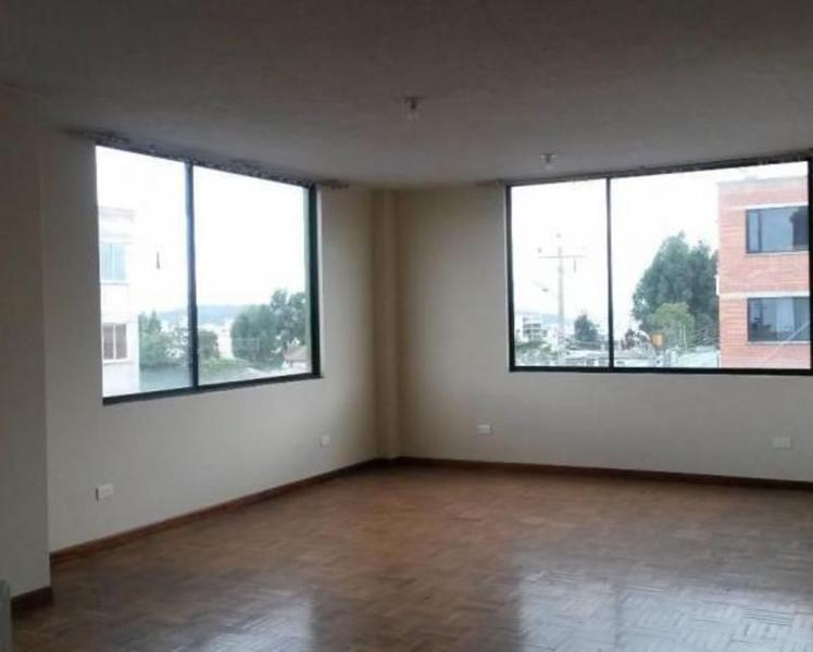 Foto Oficina en Alquiler en  Norte de Quito,  Quito  LINDA Y SUPER COMODA OFICINA SECTOR EMBAJADA AMERICANA 180 mts, $650,00 C/U,