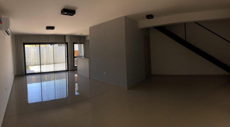 Foto PH en Venta en  Miradores de Manantiales,  Cordoba Capital  Miradores de Manantiales II - 3 Dormitorios! A estrenar! Detalles de Categoria