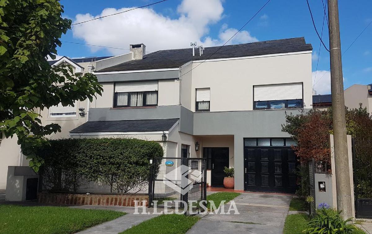 Foto Casa en Venta en  Mar Del Plata ,  Costa Atlantica  VIEYTES 1400