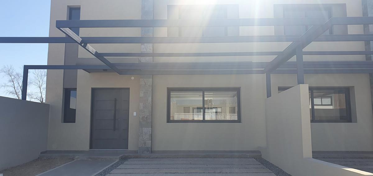 Foto Casa en Venta en  Green Ville 2,  Cordoba Capital  Greenville 2 M15 L14