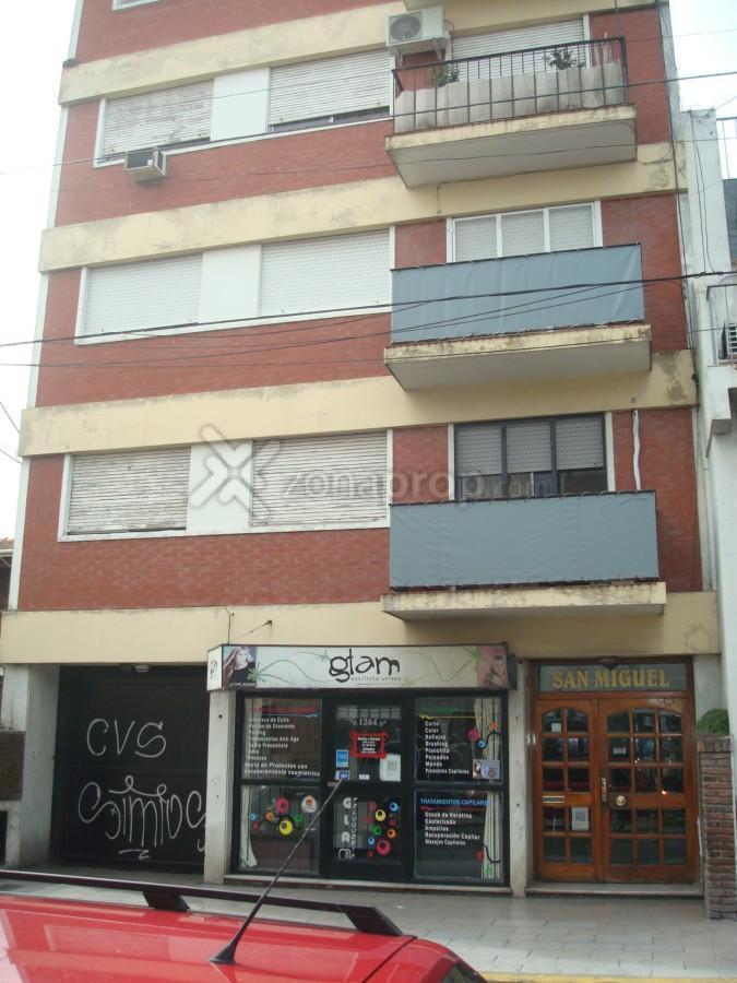 Foto Departamento en Venta en  Berazategui,  Berazategui  Calle 150 E/12 y 13