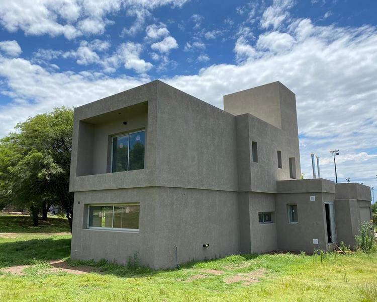 Foto Casa en Venta en  El Bosque,  Countries/B.Cerrado (Cordoba)  CASA EN VENTA 3 DORM. EL BOSQUE