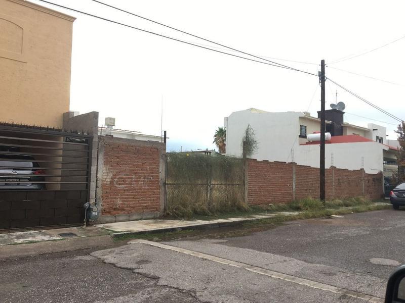 Foto Terreno en Venta en  Fraccionamiento Residencial Universidad,  Chihuahua  Lote en Residencial Universidad