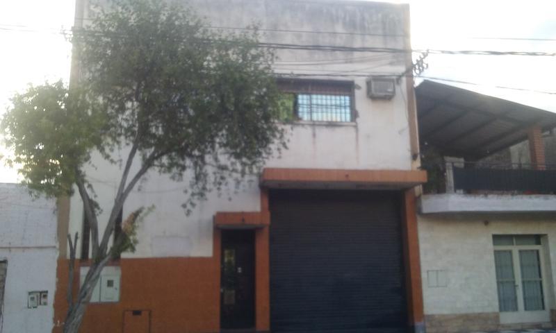Foto Local en Venta en  San Miguel De Tucumán,  Capital  Alberti N° al 700