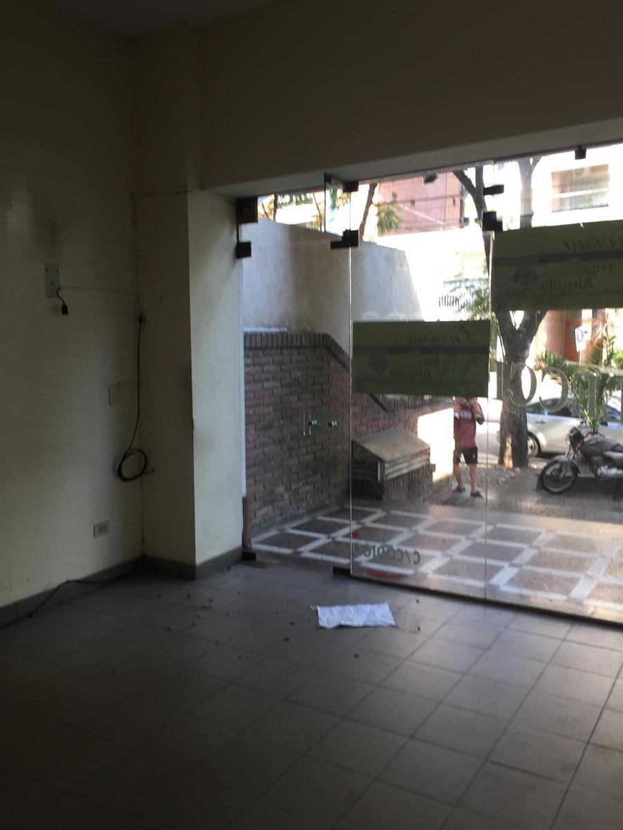 Foto Local en Alquiler en  Lomas de Zamora Oeste,  Lomas De Zamora  Colombres al 375