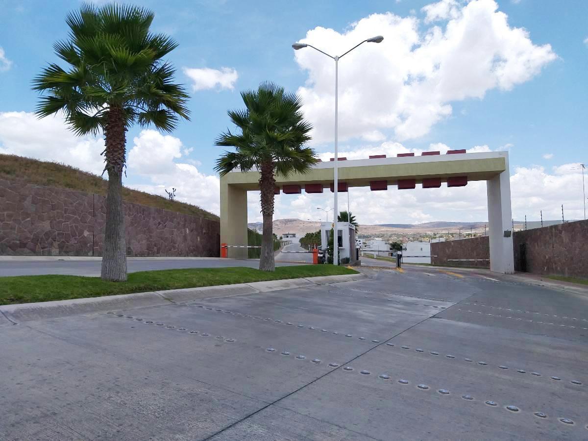 Foto Terreno en Venta en  San Luis Potosí ,  San luis Potosí  TERRENO EN VENTA EN RESIDENCIAL LA VISTA, SAN LUIS POTOSI