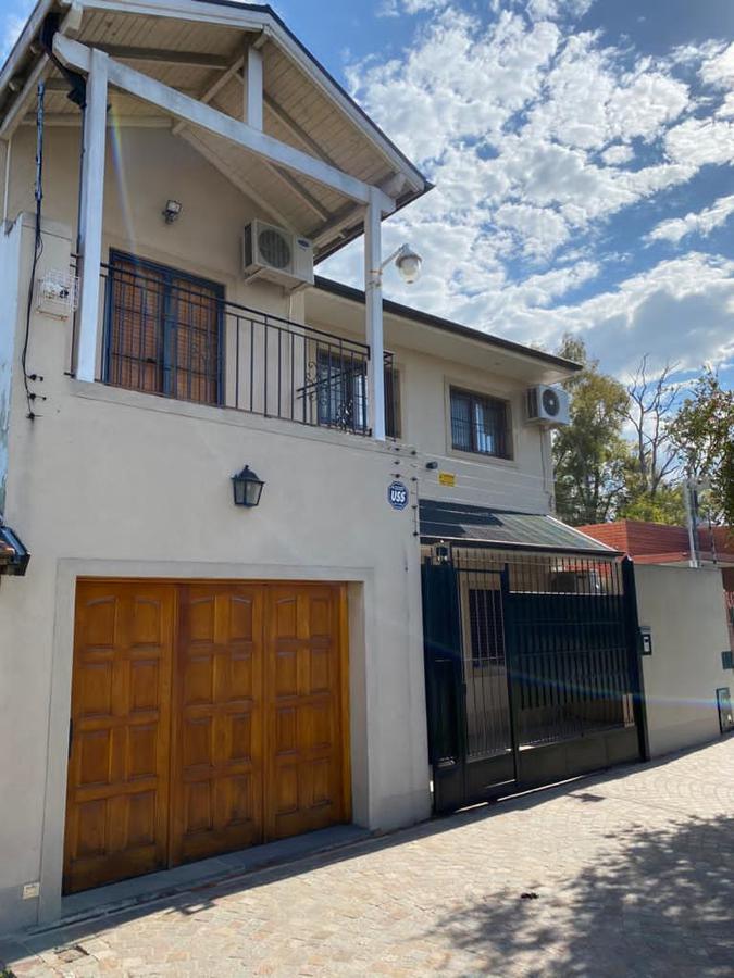 Foto Casa en Venta en  Lomas de Zamora Oeste,  Lomas De Zamora  GARONA al 1500