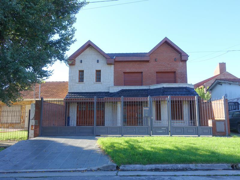 Foto Casa en Alquiler en  Las Colinas P.Ramos,  Mar Del Plata  Aguado entre Arana y Goiri y Soler