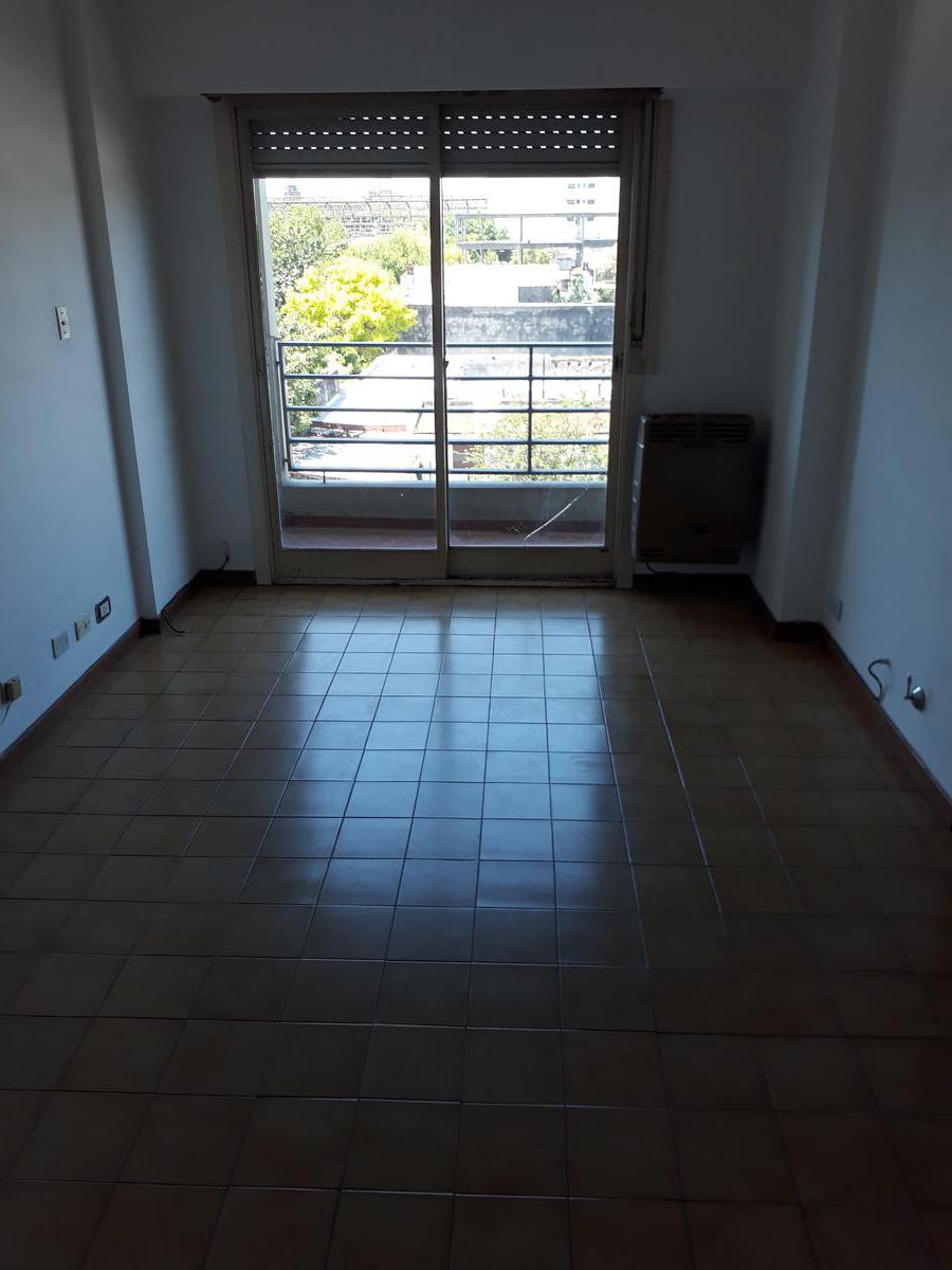 Foto Departamento en Alquiler en  La Plata ,  G.B.A. Zona Sur  3 y 43