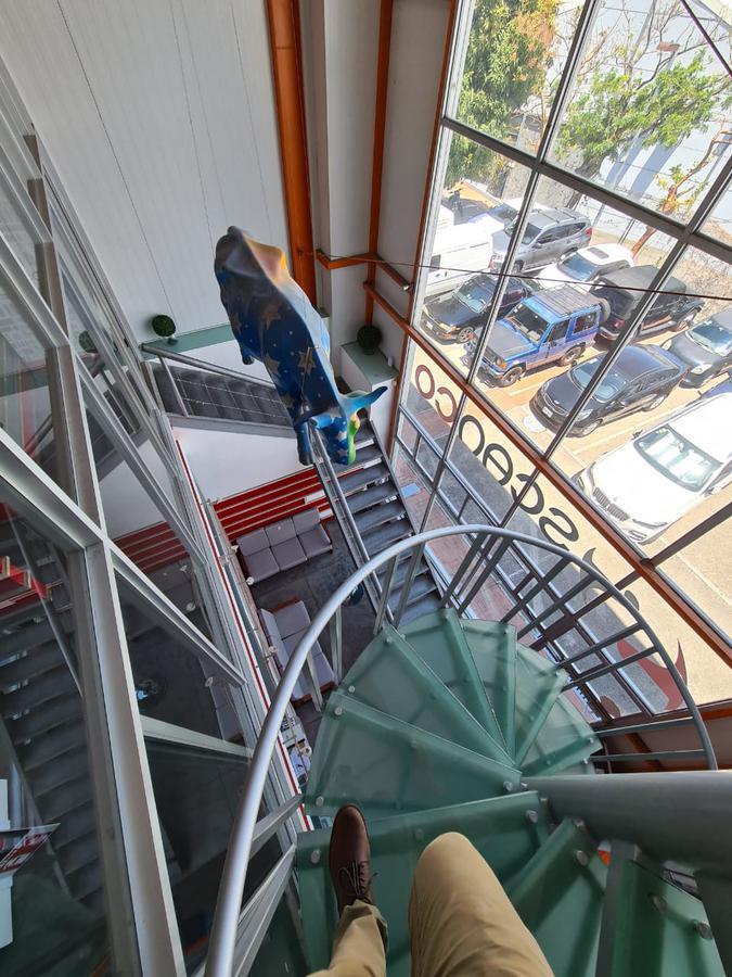 Foto Bodega Industrial en Venta en  Escazu,  Escazu  OFIBODEGA/ Amueblada/ con 10 parqueos disponibles