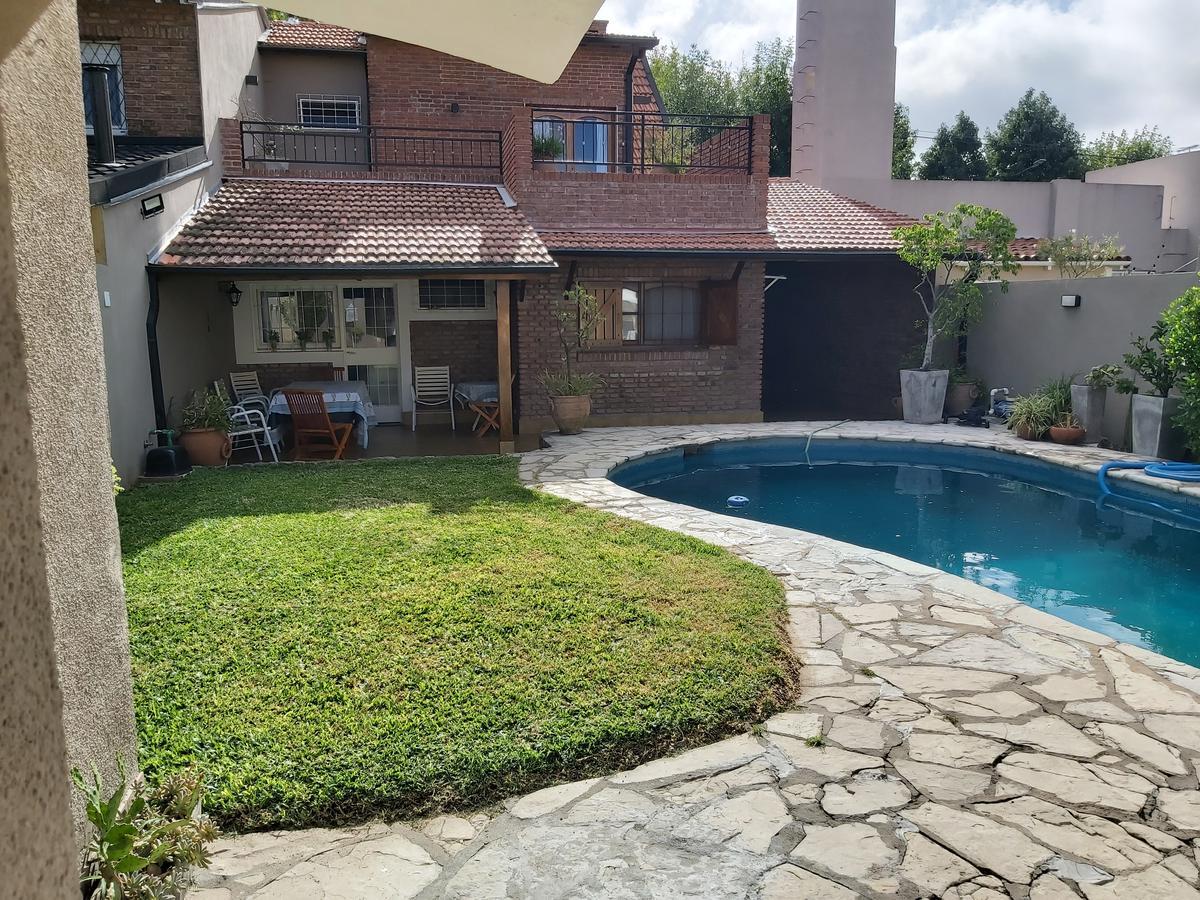 Foto Casa en Venta en  Olivos,  Vicente López  Ayacucho al 2800