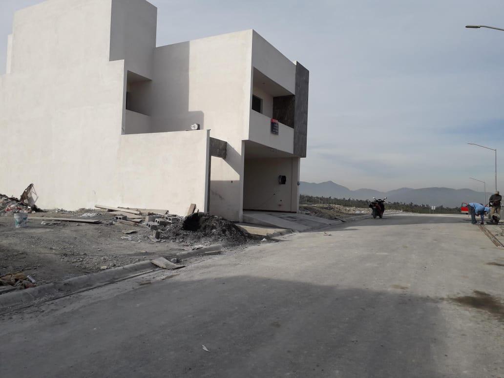 Foto Casa en Venta en  Santoral,  García  Dominio Cumbres