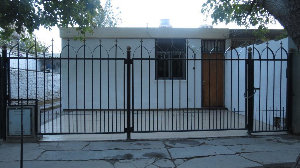 Foto Casa en Alquiler en  Santa Lucia ,  San Juan  Mariano Moreno Nº al 500