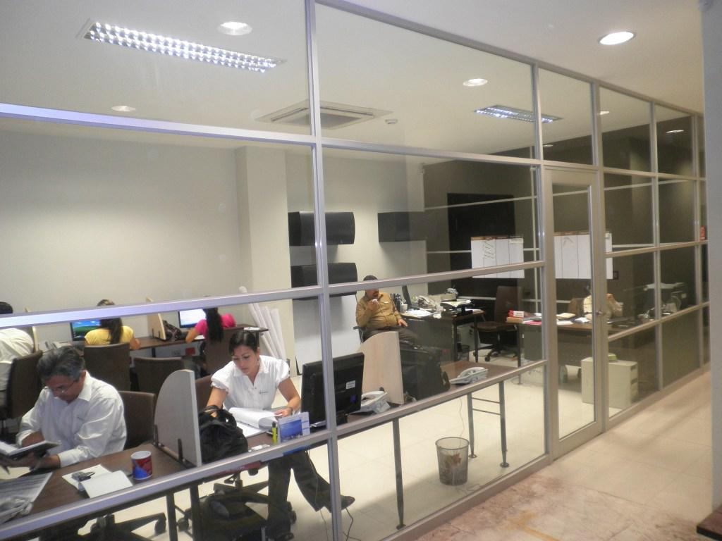 Foto Oficina en Alquiler en  Norte de Guayaquil,  Guayaquil  Kennedy Norte, sector Mall del sol se alquila oficina