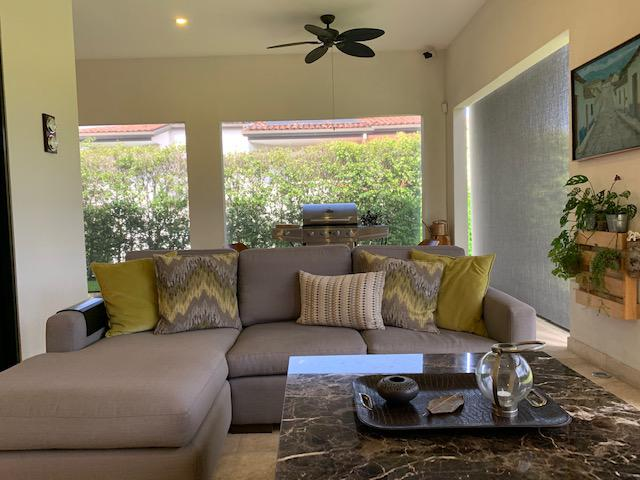 Foto Casa en condominio en Venta en  Santana,  Santa Ana  Elegante/ Moderna/ Vista/ 5 habitaciones/ Finos acabados/ Iluminada/ Precio amueblada