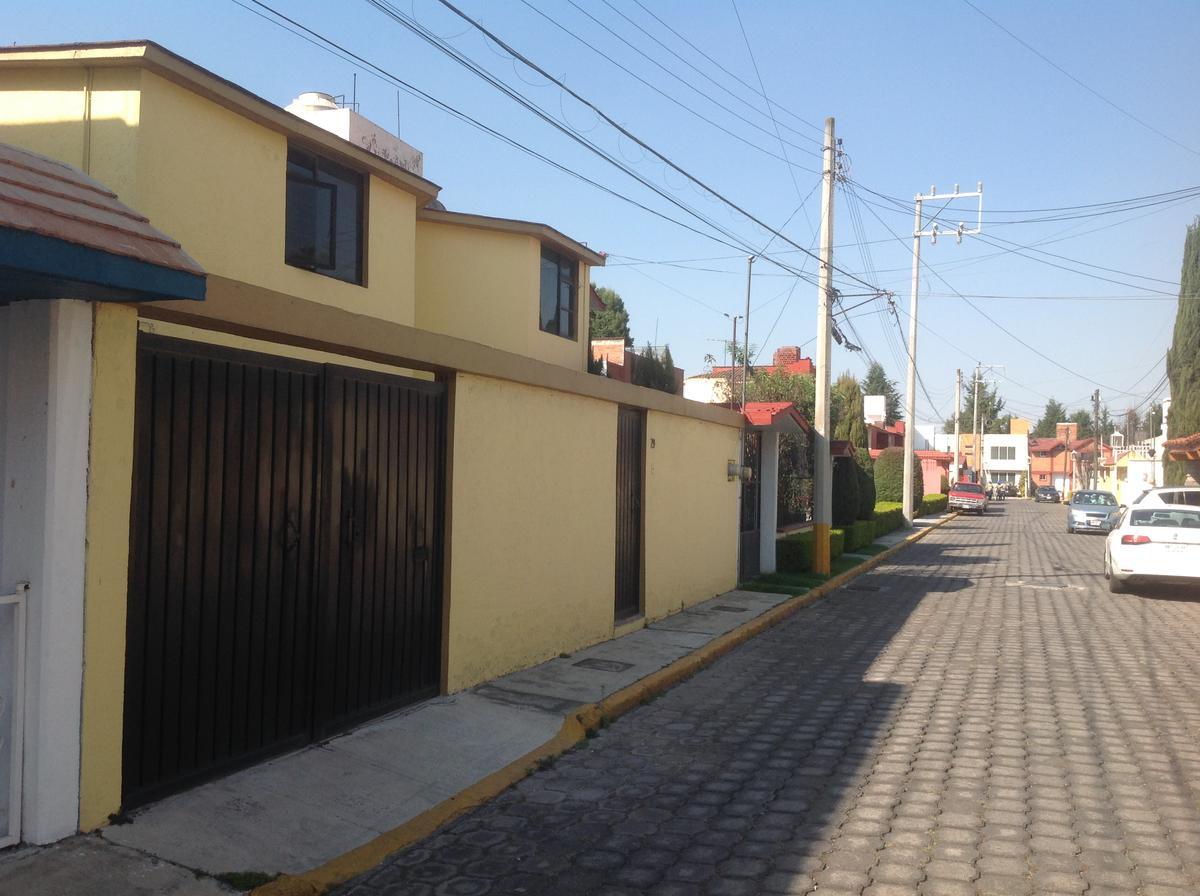 Foto Casa en condominio en Renta en  Metepec ,  Edo. de México  Privada Santa Rita  29 col praderas de la asuncion