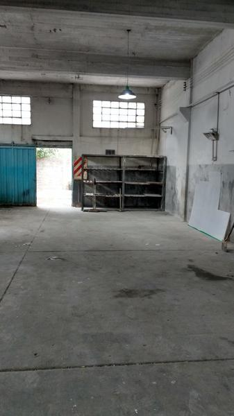 Foto Depósito en Venta en  Avellaneda ,  G.B.A. Zona Sur  Guemes al 2100