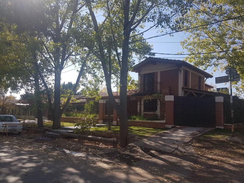 Foto Casa en Venta en  Mayor Drummond,  Lujan De Cuyo  B° Solares de Gabrielli