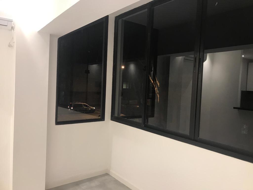Foto Apartamento en Alquiler en  Tres Cruces ,  Montevideo  Como a estrenar. Muy luminoso.