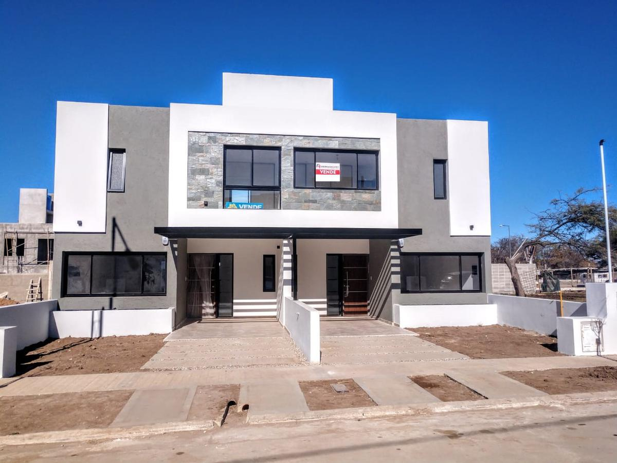 Foto Casa en Venta en  Cordoba Capital ,  Cordoba  Miradores de Manantiales II  | OPCIÓN A |  MANZANA 117 | LOTE 7 |