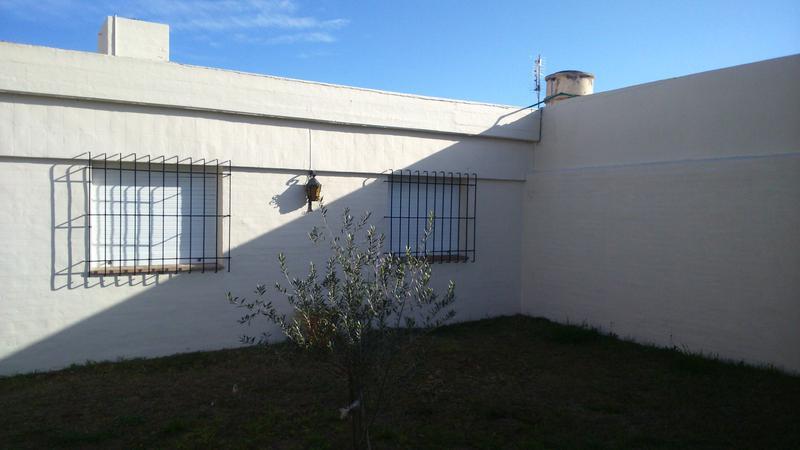 Foto Casa en Venta en  Villa Cabrera,  Cordoba     Casa de 3 dormitorios