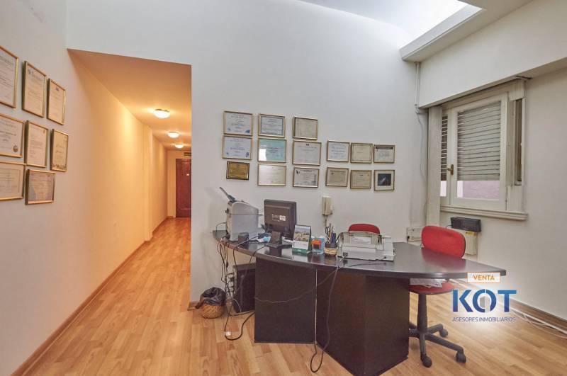 Foto Oficina en Venta en  Recoleta ,  Capital Federal  Av. Quintana al 100