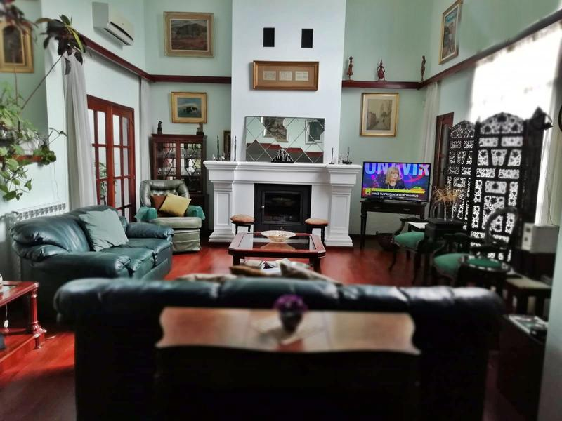 Foto Casa en Venta en  Carrasco ,  Montevideo  Casa venta o alquiler, impecable