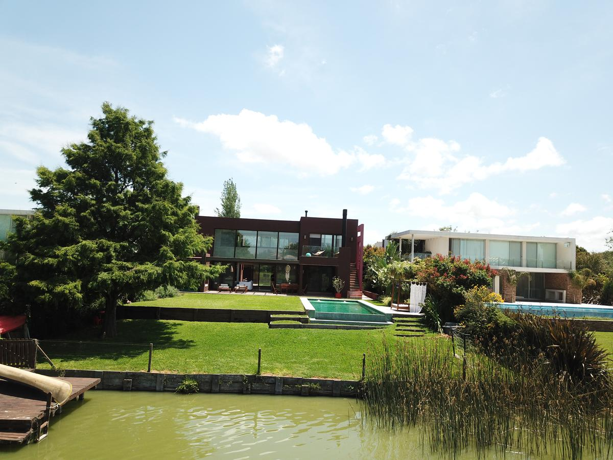 Foto Casa en Venta en  Santa Barbara,  Countries/B.Cerrado (Tigre)  Av Nordelta al 7100
