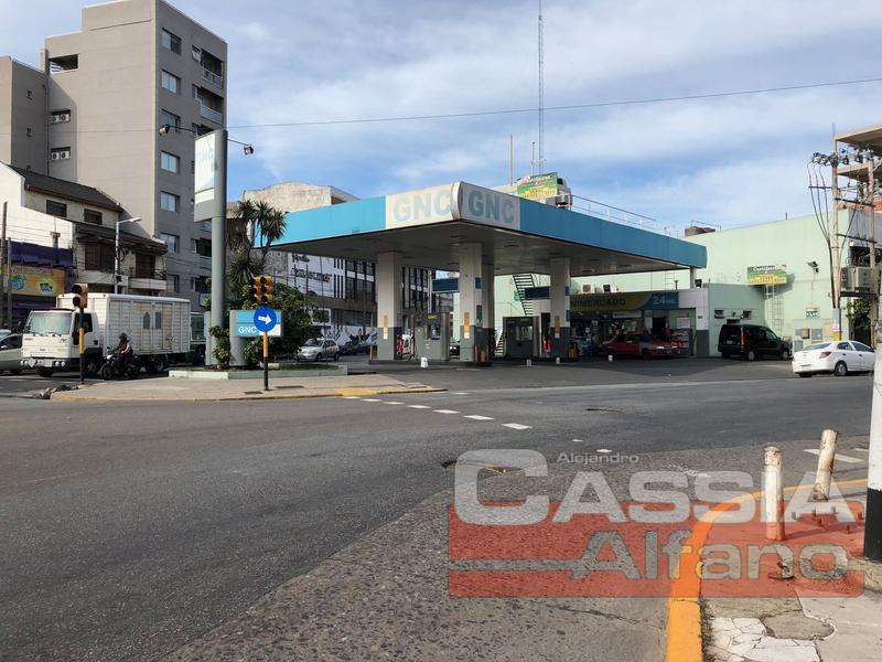 Foto Local en Alquiler en  Piñeyro,  Avellaneda  AV. RIVADAVIA 908