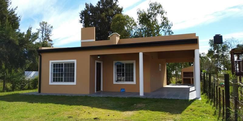 Foto Casa en Venta en  Gualeguaychu ,  Entre Rios  Las Acacias Nº 5478